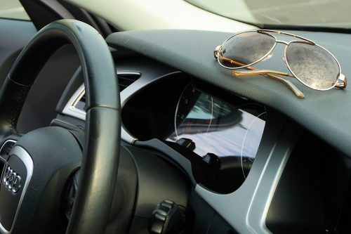 Best Sunglasses for Driving sun glare
