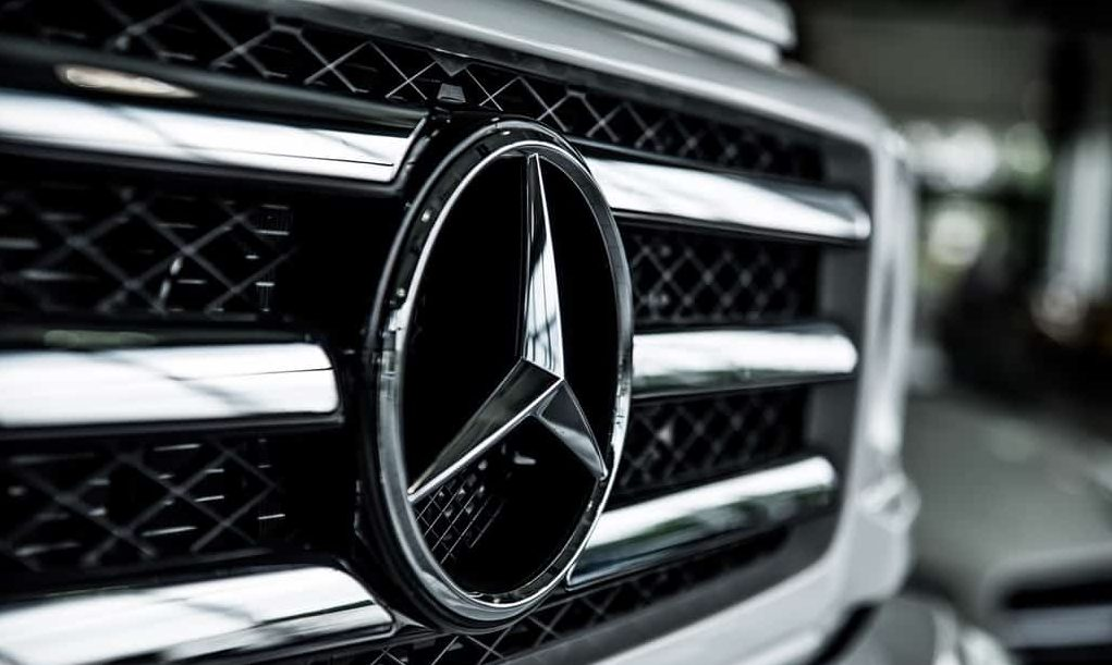 Mercedes will use Renault engines