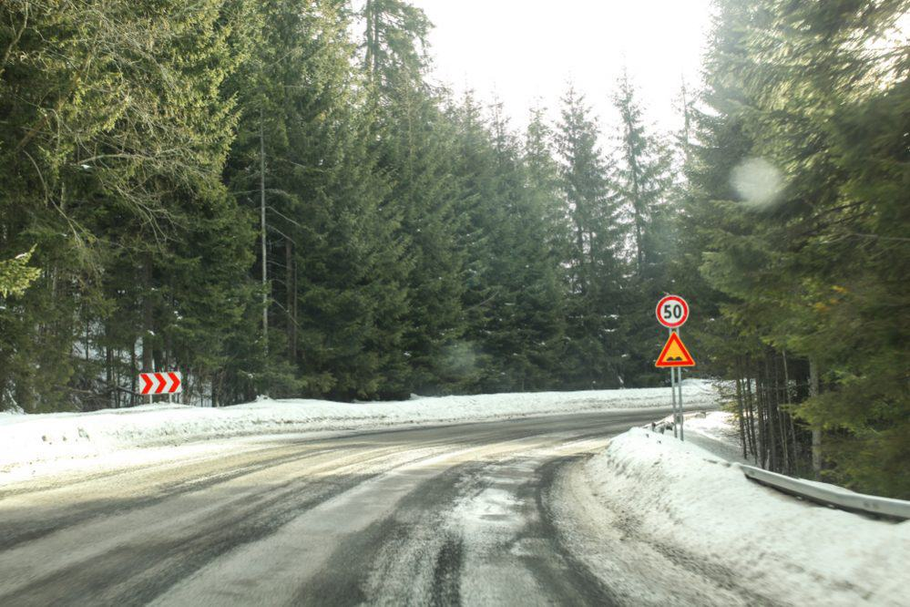Driving Safety in Snow 3