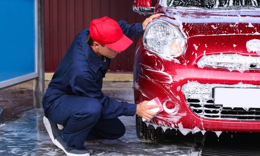 The Procedure For Washing The Car Windows