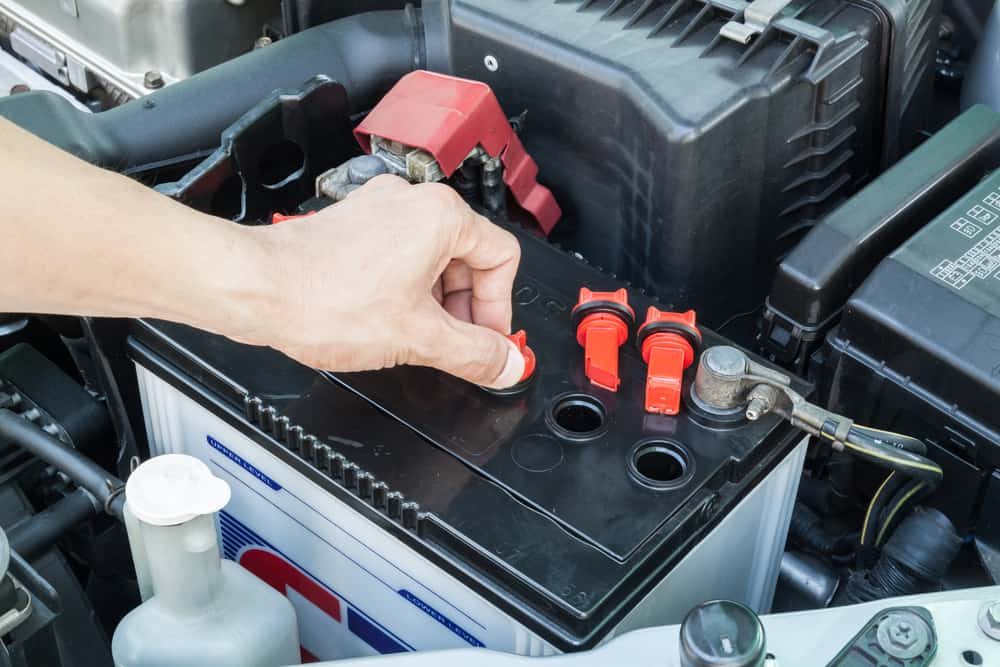 how does a car battery work