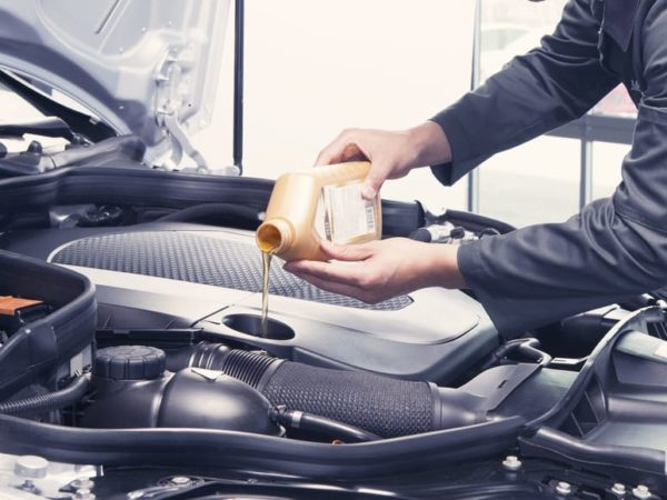 How Much Oil Does My Car Need? (2 Facts)