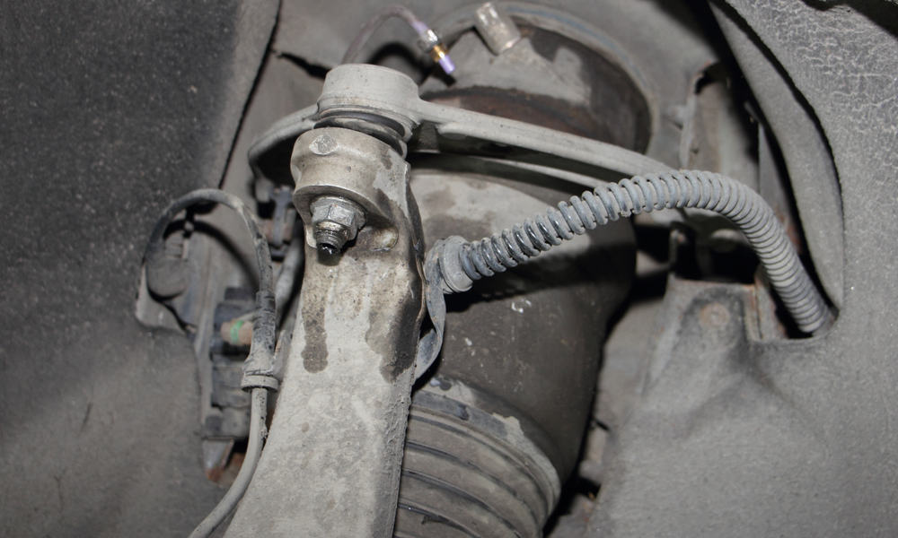 Signs of worn out or bad struts