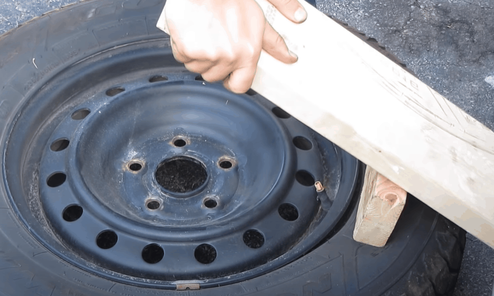 Breaking the Seal Between the Tire and Rim
