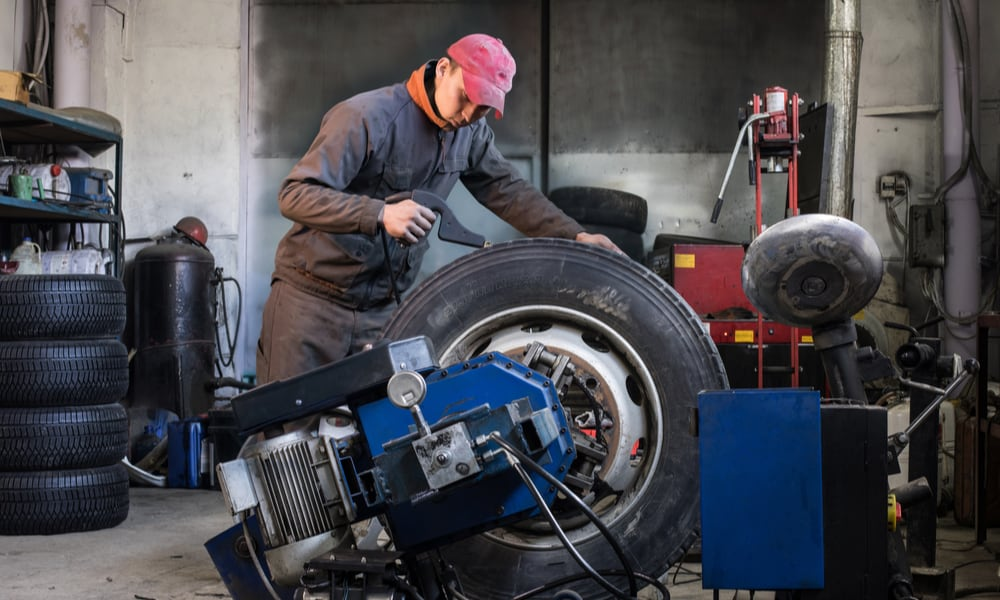 How to Minimize Tire Debris