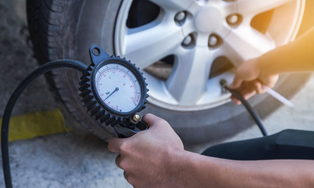 Use a Tire Pressure Gauge to Measure the Existing Pressure