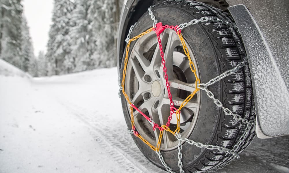 6 Easy Steps to Put on Tire Chains