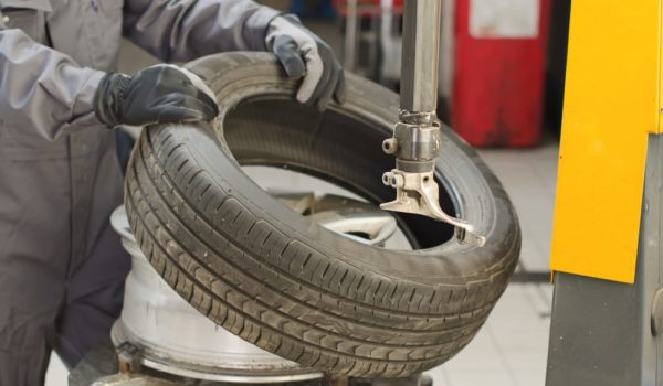 5 Steps to Break a Tire Bead